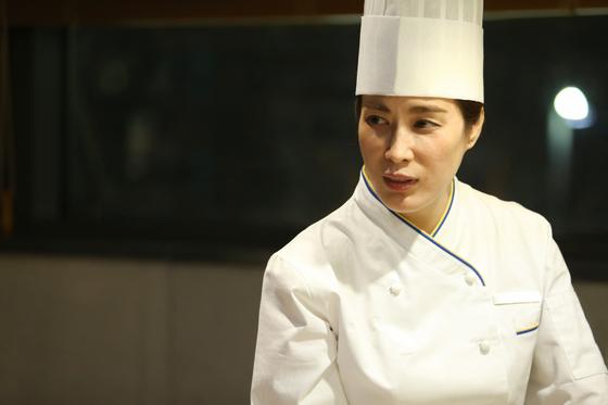 """안나 김 제주신화월드 F&B 총괄 디렉터는 """"근무 태도가 일정하고 요리가 섬세하다는 점이 여성 셰프의 장점""""이라고 했다. [사진 제주신화월드]"""
