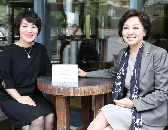 배양숙의 Q가 서울 종로 성곡미술관에서 신은경(전 KBS 아나운서, 한국청소년활동진흥회 이사장)을 만났다. 프리랜서 조현지