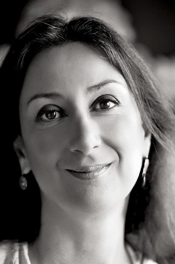 16일(현지시간) 몰타에서 의문의 차량 폭발 사고로 사망한 유명 탐사 기자인 다프네 카루아나 갈리치아(53). [AP=연합뉴스]