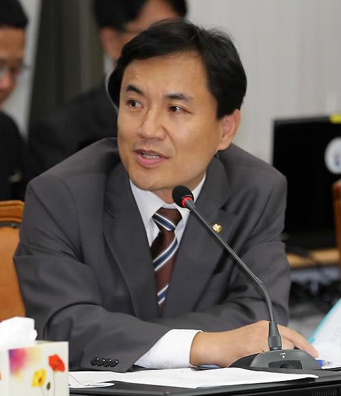 자유한국당 김진태 의원.