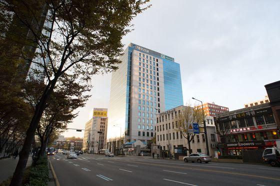 서울 종로구 신문로 1가에 위치한 대우건설 본사 사옥.