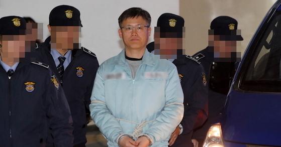 검찰이 공무상 비밀누설 혐의로 기소된 정호성 전 비서관에 대해 징역 2년 6월을 구형했다. 조문규 기자