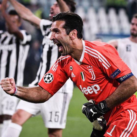 이탈리아 유벤투스 골키퍼 부폰이 올 시즌을 마친 뒤 은퇴하겠다고 밝혔다. [사진 부폰 인스타그램]