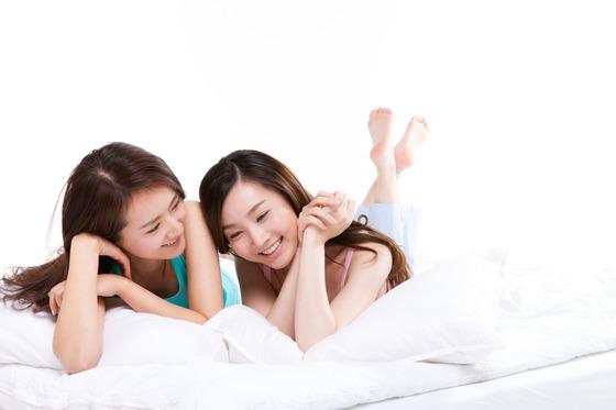질병관리본부가 여성의 생애주기별 건강 인식 조사 결과를 발표하고 연령별로 차별화된 대책이 필요하다고 강조했다. [중앙포토]