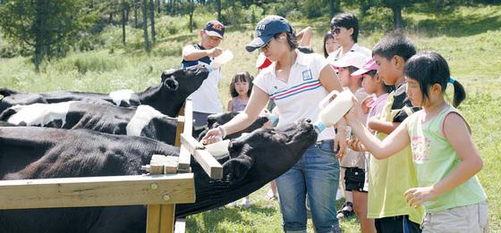 임실치즈마을은 2001년 치즈를 테마로 농촌체험학습을 시작했다. 현재는 체험프로그램 확충을 통해 마을을 넘어 지역과 함께하고 있다. [사진 농림축산식품부]