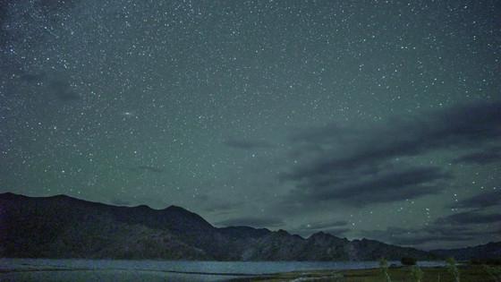 판공초의 밤. 쏟아지는 별들.