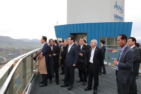 전국은행연합회원들이 평창올림픽 베뉴를 둘러보고 있다. [사진 평창올림픽 SNS]