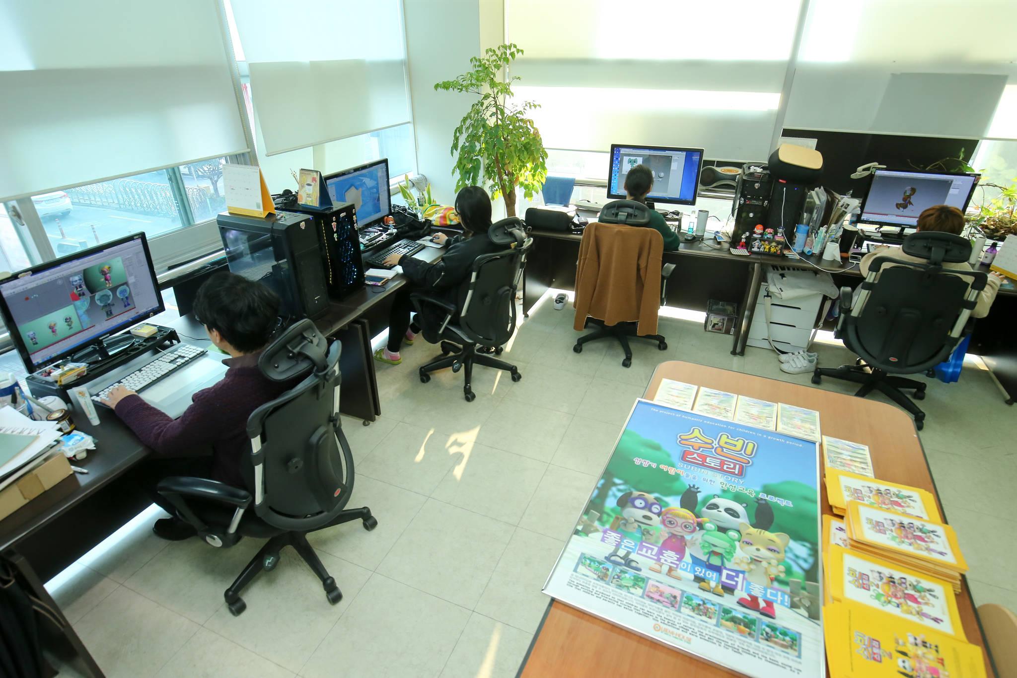 전주영화제작소 2층에 입주한 '올빼미하우스'. TV만화 '수빈 스토리'를 제작해 지역 애니메이션 업계의 성공 모델로 꼽히는 업체다. [프리랜서 장정필]
