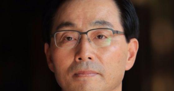 2013년 검찰의 '국가정보원 댓글 수사'를 방해하는 데 관여한 의혹을 받는 서천호 전 국정원 2차장. [사진 연합뉴스]