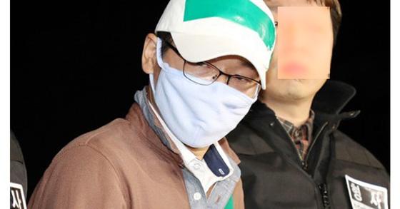 윤송이 부친 피살사건 피의자 허모(41)씨 모습.[연합뉴스]