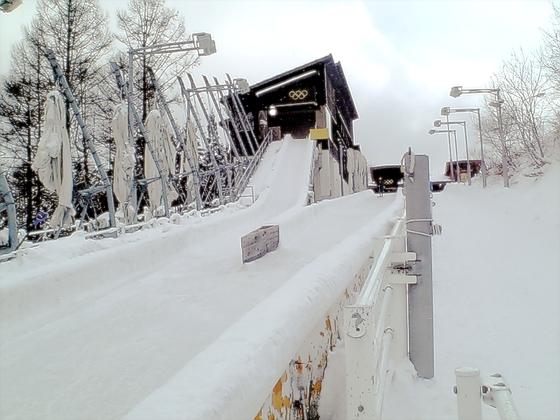 1998년 나가노 겨울올림픽 썰매 경기가 열렸던 스파이럴(spiral). 국제 대회가 열린지 13년이 넘었지만 재가동 움직임은 없다. [중앙포토]