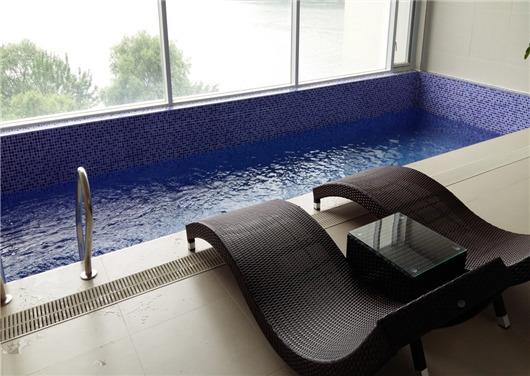 '농어촌 민박'이라는 이름으로 불법으로 실내수영장을 갖춘 펜션. [사진 의정부지검]