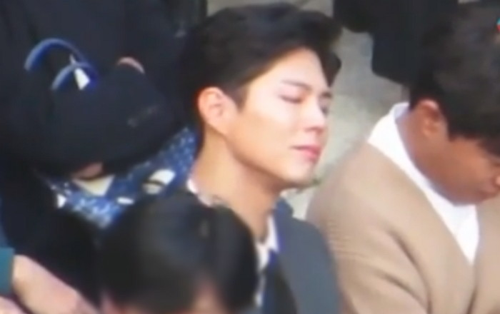 Park Bo-gum swept in emotions as he attends his best friend, Song Joong-ki's wedding.