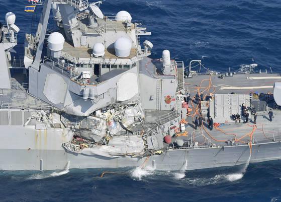 지난 6월 필리핀 상선과 충돌해 선체가 손상된 미국 이지스 구축함 '피츠제럴드'. [연합뉴스]