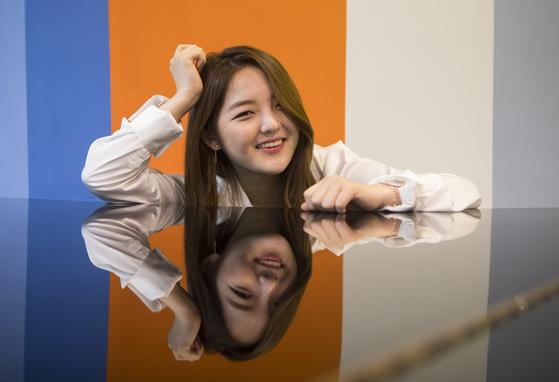 뮤지컬 배우로 데뷔하는 배우 서신애가 3일 동숭동 대학로예술극장에서 포즈를 취하고 있다. 권혁재 사진전문기자