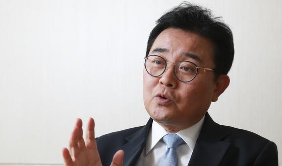 의원 시절 보좌진의 후원금 횡령 의혹을 받고 있는 전병헌 청와대 정무수석 [중앙포토]