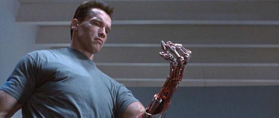 로봇이 세상을 지배하는 미래의 지구를 그린 영화 '터미네이터'의 한 장면. [중앙포토]