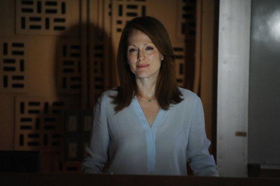 영화 <스틸 앨리스>에서 알츠하이머에 걸린 언어학자 앨리스 역을 맡은 배우 줄리안 무어.