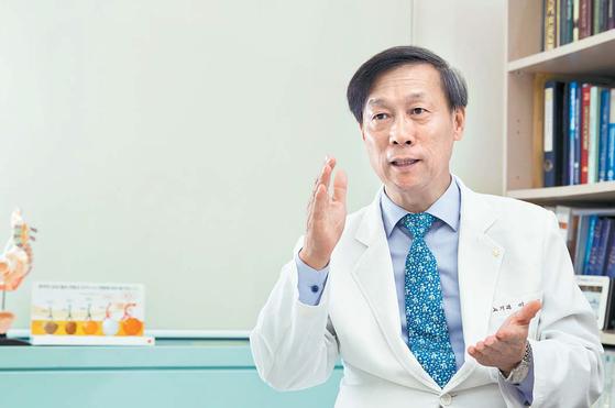 """이경섭 교수는 '내년 초부터 전국 30개 병원에서 임상 3상을 해 GV1001의 더 명확한 의학적 근거를 마련할 예정""""이라고 말했다. 프리랜서 조혜원"""