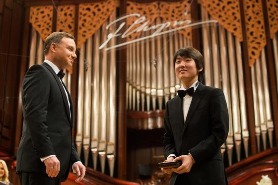 2015년 3대 음악 콩쿠르의 하나인 쇼팽 국제 콩쿠르에서 우승한 피아니스트 조성진. [중앙포토]