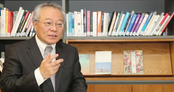 최근 『한국역대한자자전총서』을 펴낸 하영삼 경성대 교수. 김춘식 기자