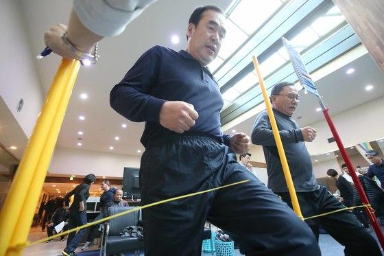 2017 학교보안관 체력측정이 14일 서울 방이동 올림픽공원 국민체력센터에서 열렸다. 이날 체력측정은 왕복 걷기 등 총 7개 종목이 실시됐다. 오종택 기자