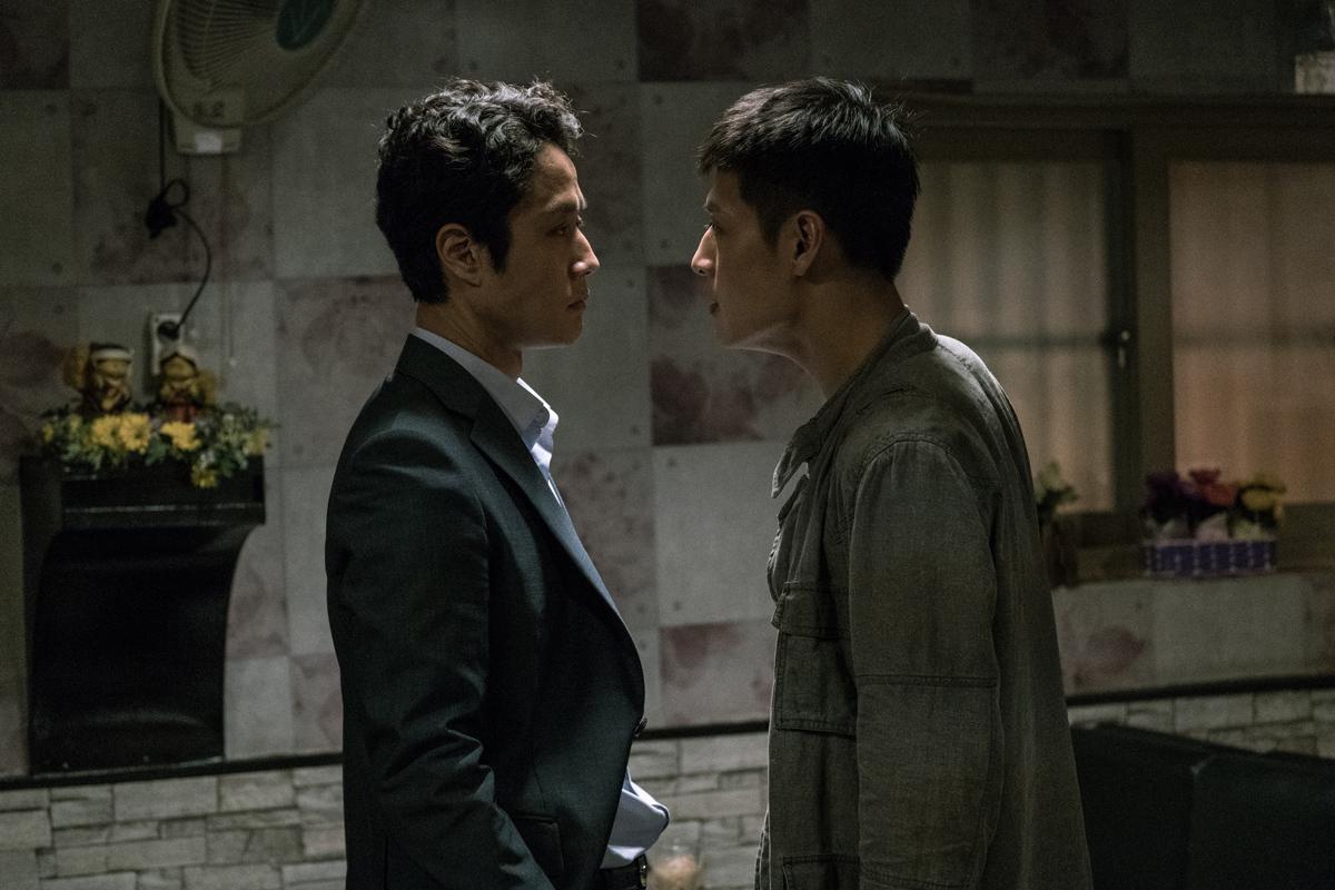 영화 '재심'의 한 장면. 익산 약촌오거리 택시기사 살인사건은 배우 정우와 강하늘이 주연한 영화 '재심'의 모티브가 됐다. [중앙포토]