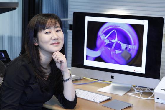 이진형 스탠퍼드대 교수는 전공인 반도체 디자인을 토대로 신경회로 연구를 했다. [사진 이진형 교수]