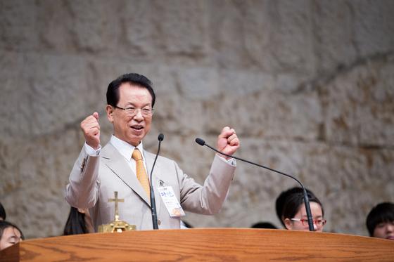 1980년 명성교회를 개척한 김삼환 목사는 2015년 말에 은퇴해 원로목사가 됐다. [사진 명성교회]