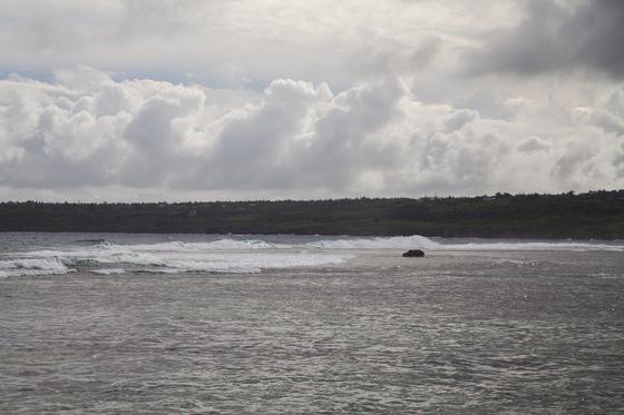 태풍 영향으로 라오라오 해변이 뒤집어졌다.