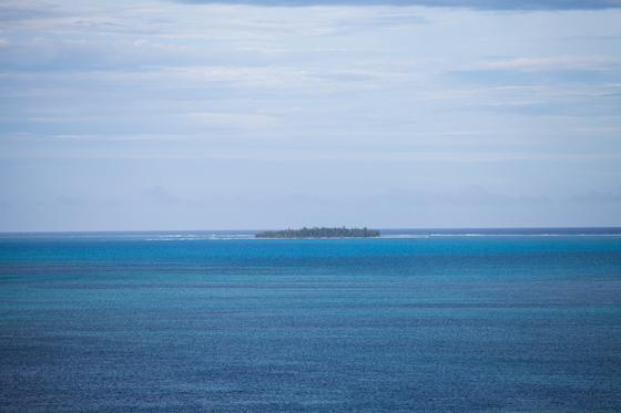 일명 '마리아나 블루'라고 불리는 사이판의 바다빛깔은 눈부시다. 사이판의 대표 관광지인 마나가하섬.