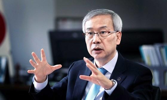 """황준성 총장은 '대학은 단순히 지식을 배우는 공간이 아니라 인간관계의 기술을 터득하는 곳으로 미래에도 그 중요성은 계속될 것""""이라고 말했다. [오종택 기자]"""