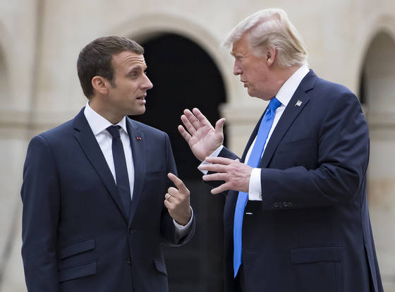 마크롱 프랑스 대통령과 트럼프 미국 대통령 [AP=연합뉴스]