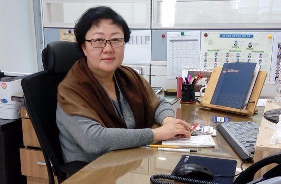 송경진 마포중앙도서관장