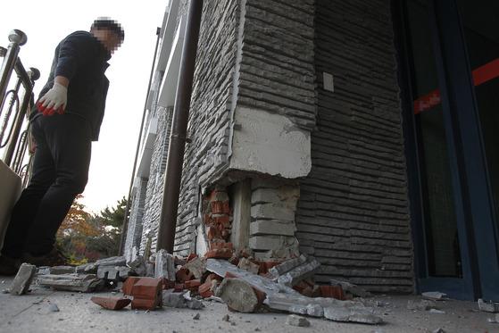 경북 포항의 한 아동양육시설이 지난 15일 규모 5.4의 강진과 계속되는 여진으로 인해 파손돼 있다. 프리랜서 공정식