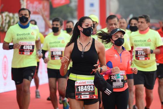 뉴델리 하프 마라톤 대회에 참가한 선수들. [AFP =연합뉴스]