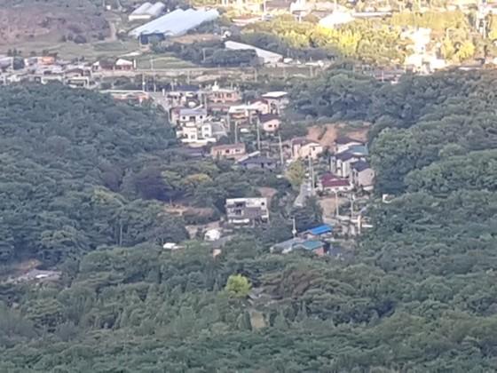 북한산에서 내려다 본 동네.