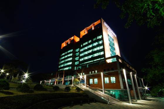 코리아텍 능력개발교육원은 다음 달 서울, 부산, 광주에서 열리는 일학습병행제 기업 '역량강화 워크숍'에 참가할 대상자를 27일(월)까지 모집한다.
