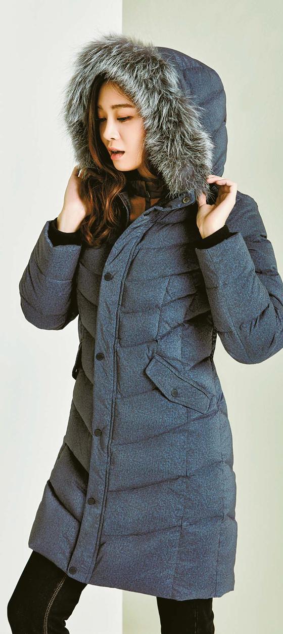 아우라구스다운재킷을 입은 모습. [사진 마운티아]