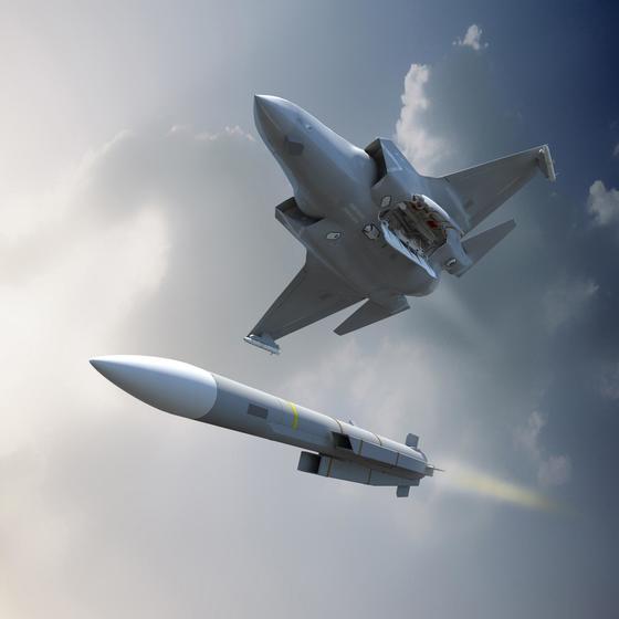 영국 MBDA가 개발한 미티어 공대공미사일을 F-35 스텔스 전투기에 서 발사하는 장면을 묘사한 그래픽. 일본과 영국은 미티어를 기반으로 신형 공대공 미사일을 내년부터 공동개발할 계획이다. [사진 MBDA]
