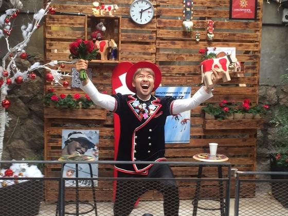 방송인 노홍철이 스위스 관광 홍보대사인 스위스프렌즈로 임명됐다. 28일 오후 노씨가 운영하는 서울 해방촌 철든책방에서 임명식이 진행됐다.