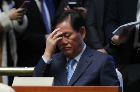 지난 24일 국회 의원총회에 참석한 최경환 자유한국당 의원. [연합뉴스]