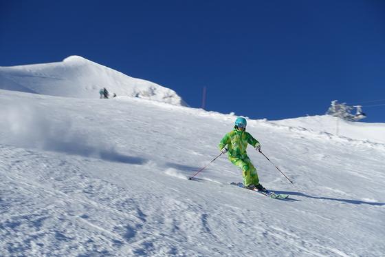 박순백씨는 한국에 스키장이 생기기도 전인 60년대부터 스키를 즐겼다. 50년 이상 스키를 탄 그는 해마다 스키 실력이 는다고 한다. 사진은 2014년에 방문한 프랑스 론알프스 지역 클럽메드 티뉴 리조트.