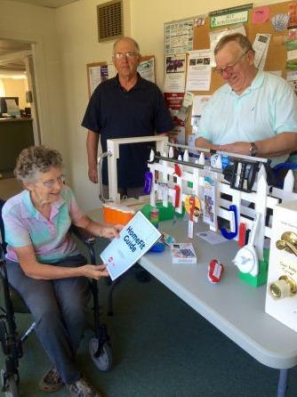 미국 메인주 보도인험에선 노인이 간단한 집수리를 할 때 필요한 공구를 대여해준다. [사진 WHO]