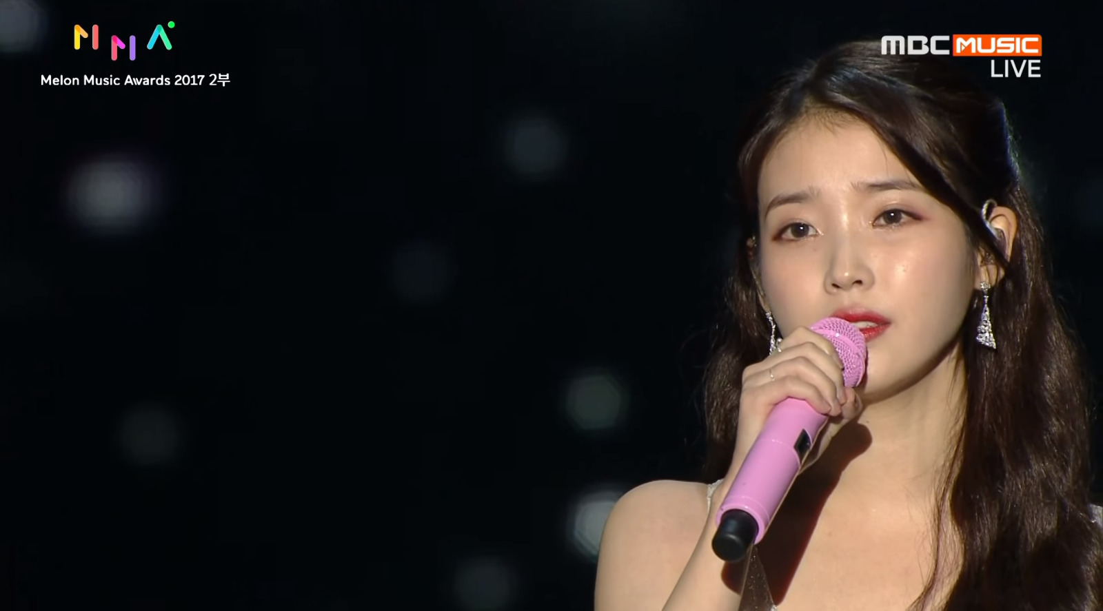 IU performing at the 2017 Melon Music Awards. Photo from MBC.