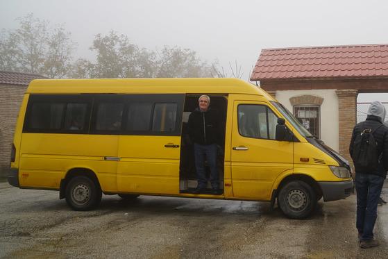 대형 버스 대신 작은 미니버스인 마슈롯카가 전국을 잇고 있다.