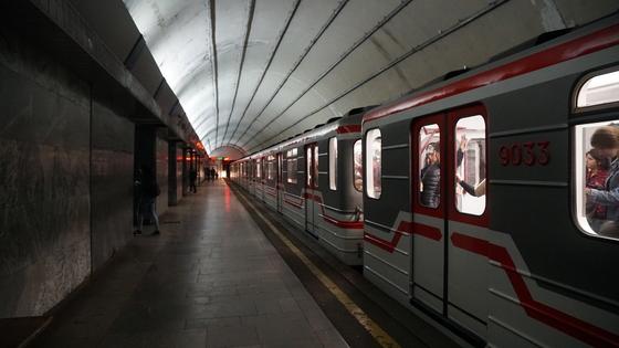 트빌리시 지하철 요금은 구간 상관없이 0.5라리(200원)다.