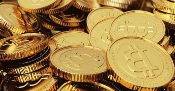 2008년 비트코인이 등장한 이후 현재 민간이 발행하는 암호 화폐는 현재 1100여개가 개발된 것으로 알려져 있다.
