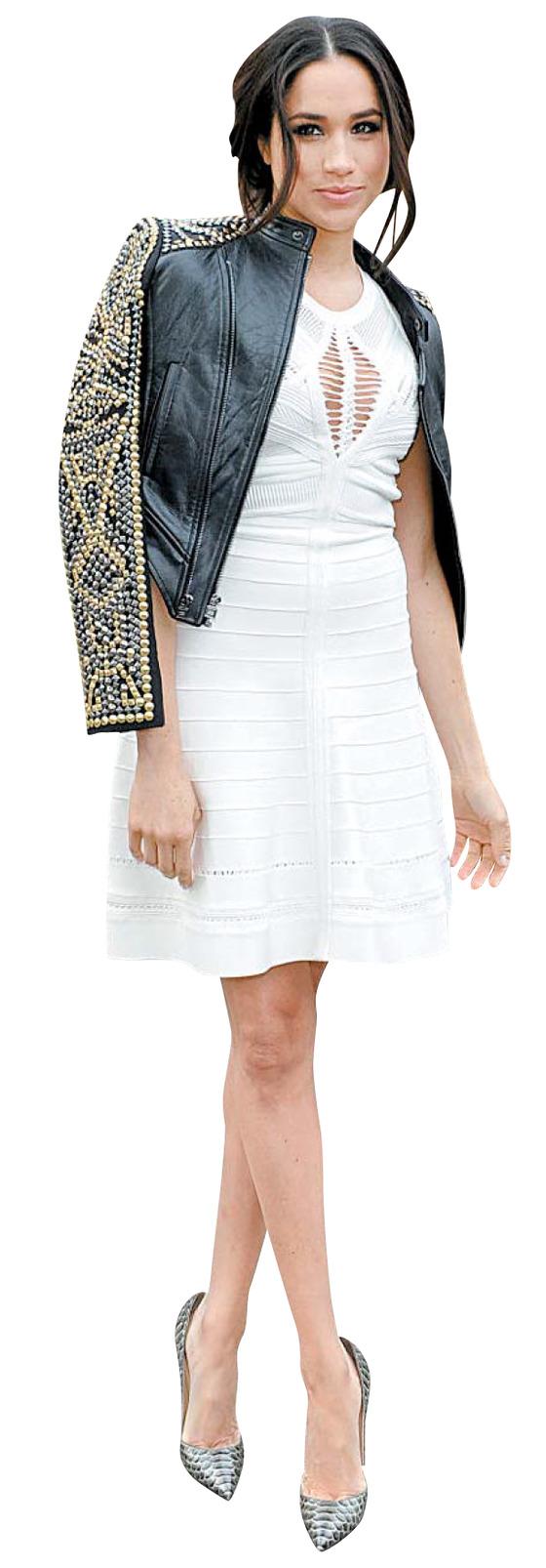 2014년 뉴욕 패션위크가 열린 링컨 센터 앞에서 포즈를 취한 마클.