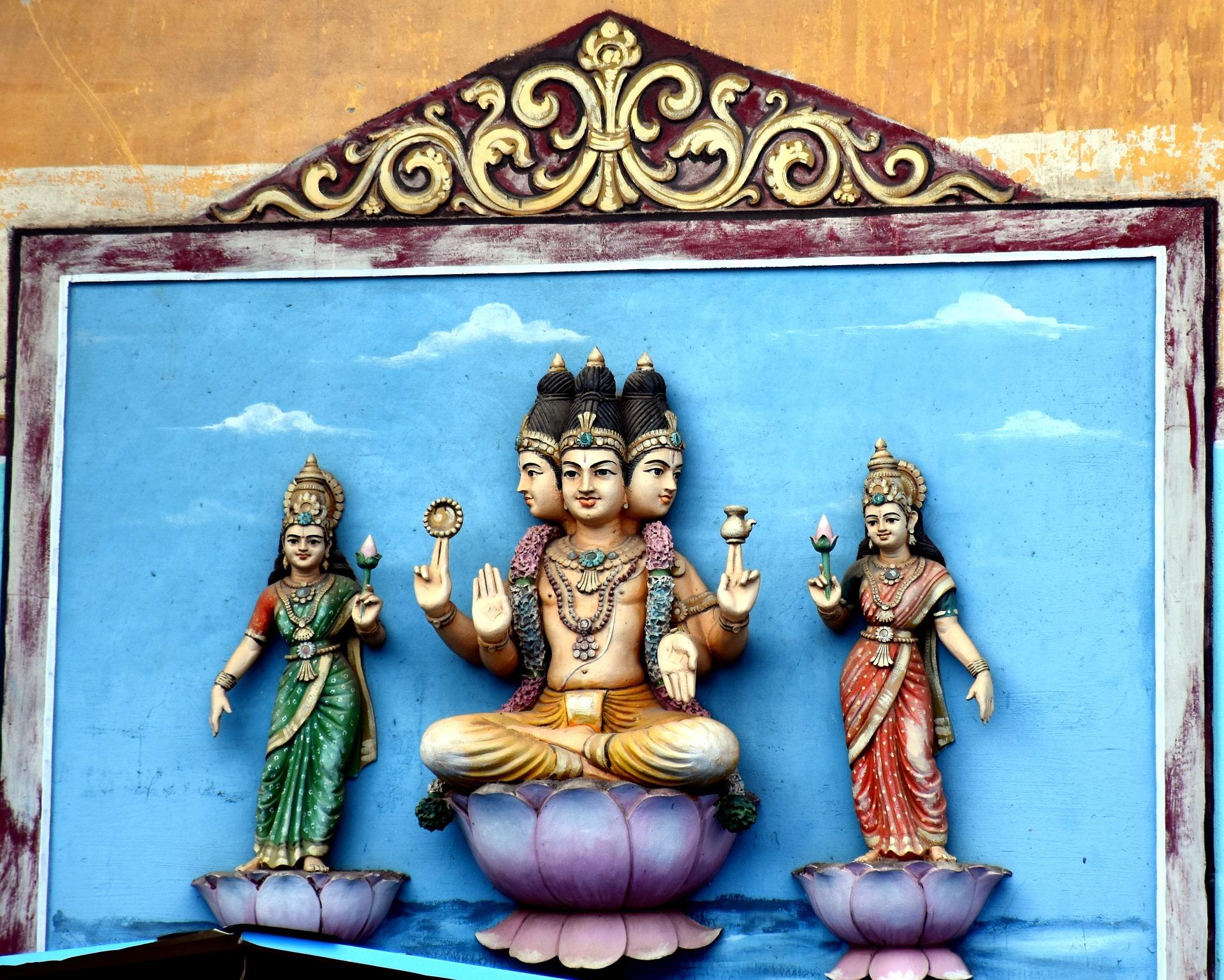 힌두교 창조의 신 브라흐마는 머리가 네 개다. 카스트 제도의 네 계급을 상징하기도 한다.